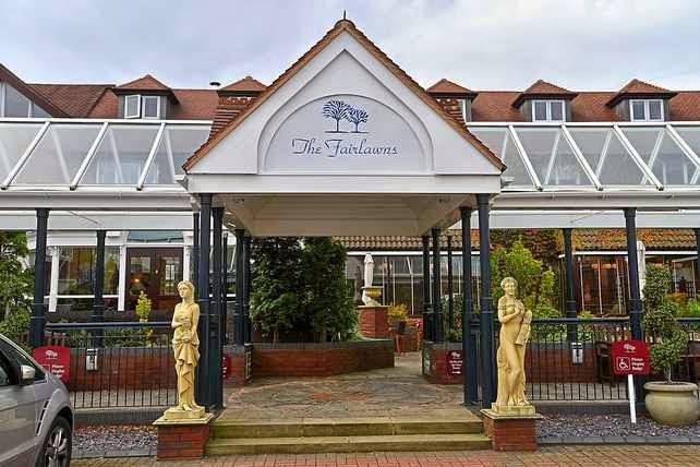 Fairlawns Hotel